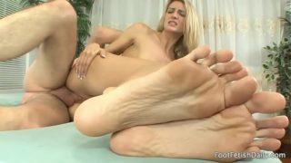 Amanda Tate feets